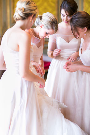 France destination wedding at countryside chateau for Wedding dresses in paris france